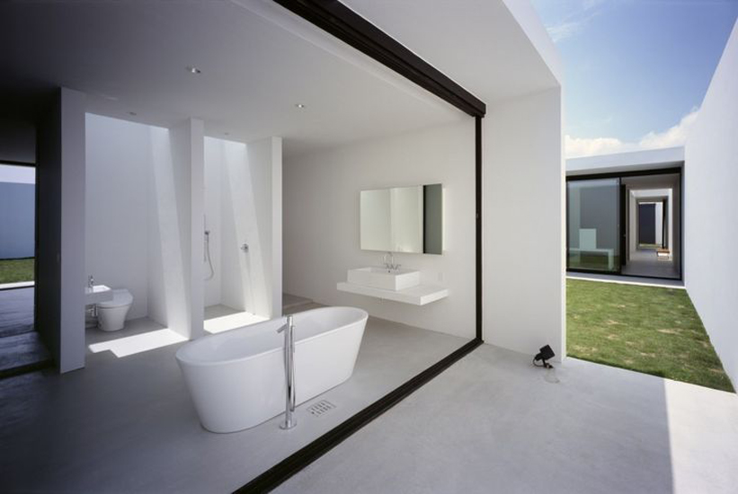 15 White Bathroom Ideas | www.designlibrary.com.au