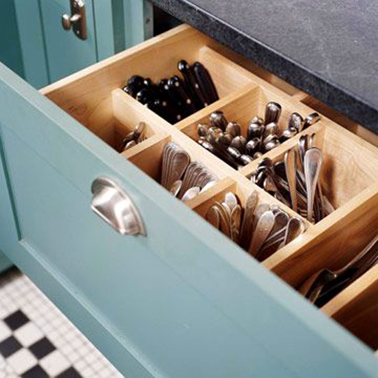 Kitchen Designs 17 Storage Solutions - Knife Fork and Spoon Storage - Apartment Therapy - www.designlibrary.com.au